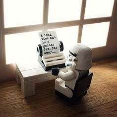 Mike Stimpson is a UK photographer who happens to be a big LEGO fan and a huge Star Wars geek. He takes whimsical photographs using LEGO minifigures and is best know for re-creating iconic photographs using LEGO. Lego Star Wars, Simbolos Star Wars, Amour Star Wars, Theme Star Wars, Star Wars Humor, Lego Stormtrooper, Lego Poster, Ps Wallpaper, Lego Worlds