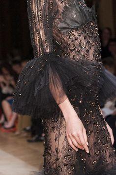 Oscar Carvallo Haute Couture AW 2013 Details