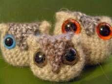 Harry Potter Crochet Owlets - They're so cute!! They're like a mix between Pigmy Puffs and Owls!  I want one!