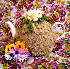Ravelry: Camomile Lawn Tea Cosy pattern by Jen Adams; free registration with Ravelry required