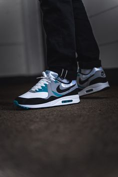 online store 873e5 c9daa First launched in 1989, the shoe was also known as Air Max II at the