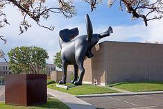 Bad Dog - Giant Labrador peeing on a wall. Orange County Museum of Art (OCMA) in Newport Beach, California. Artist: Richard Jackson