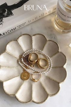 Discovered by lilu. Find images and videos about gold, jewelry and ring on We Heart It - the app to get lost in what you love. Cream Aesthetic, Classy Aesthetic, Gold Aesthetic, Diy Clay, Clay Crafts, Keramik Design, Ceramic Texture, Aesthetic Room Decor, Cute Jewelry