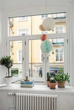 Windowsill decor and styling.