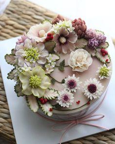 Repost atelier_ryeo ♡ 심화 클래스 3주차 앙금떡플라워케이크 수강생 작품 Rice flower cake Advanced class 3rd student's work