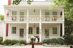 southern home plantations | Old homes,farms and plantations / Charming Southern plantation house ...