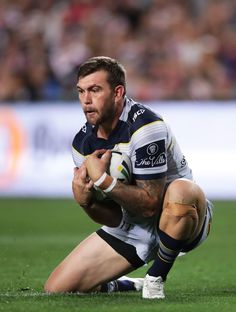 Footy Players: Kyle Feldt of the North Queensland Cowboys Soccer Players Hot, Soccer Guys, Football Boys, Black Muscle Men, Sexy Military Men, Funny Sports Pictures, Rugby Men, Hunks Men, Hommes Sexy