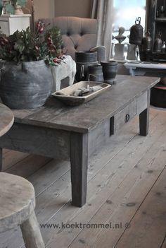 De 'Franse' salontafel van Hoffz is gemaakt van oude delen.