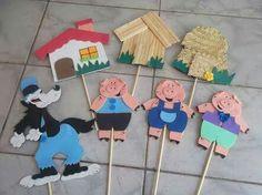 Os três porquinhos palitoches Kids Crafts, Animal Crafts For Kids, Diy Crafts Hacks, Book Crafts, Diy For Kids, Diy And Crafts, Kindergarten Activities, Preschool Activities, Fairy Tale Crafts