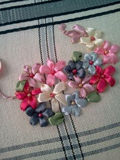 Wonderful Ribbon Embroidery Flowers by Hand Ideas. Enchanting Ribbon Embroidery Flowers by Hand Ideas. Ribbon Embroidery Tutorial, Silk Ribbon Embroidery, Hand Embroidery Designs, Embroidery Kits, Embroidery Stitches, Flower Embroidery, Leather Embroidery, Embroidery Tattoo, Wedding Embroidery
