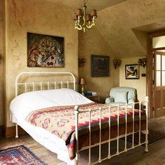 Antique Iron Bedstead | Traditional Country Bedroom Ideas (houseandgarden.co.uk)