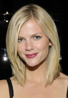 The Best Long Bob Hairstyles: Brooklyn Decker's Long Bob Hairstyle