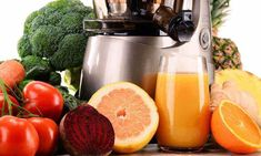 The best masticating juicer any type of quality juicer out there right today, which is employed to extract juice through fruits and veggies. Lund, Best Masticating Juicer, Cold Press Juicer, Best Juicer, Organic Fruits And Vegetables, Juice Extractor, Homemade Burgers, Juicing Benefits, Best Fruits