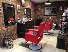 Resultado de imagem para lojas dentro da barbearia