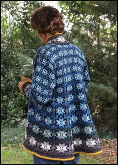 could make shaping subtler like  the idea of shaping through the size of the motif a shaped cardigan by batilou, via Flickr Love the shape!