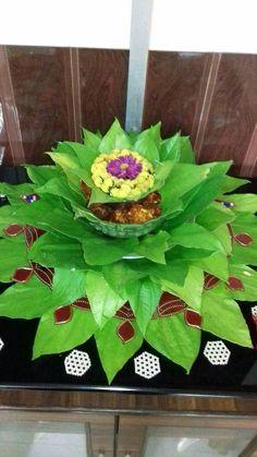 Housewarming Decorations, Diy Diwali Decorations, Indian Wedding Decorations, Festival Decorations, Flower Decorations, Ganesh Chaturthi Decoration, Marriage Decoration, Flower Rangoli, Wedding Plates