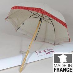 Prenez vous pour une vedette avec cette ombrelle fabriqué en France.