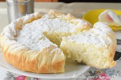 Sweet rice cake/tart with puff pastry and ricotta cheese - a hint of lemon and vanilla Cute Easter Desserts, Easter Cookie Recipes, Traditional Easter Desserts, Desserts Ostern, Rice Cakes, Sin Gluten, Sweets Recipes, Baking, Vanilla