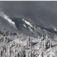 Rise and shine, it's almost pursuit time!  @ruk1er #Joel #GoodMorning #JoelHasNastyPhotos #IsItWinterYet #TimeToShred #MountainVibez #Vibez #Snowboarding #Snowboard #Mountain #Shred #Snow #HellYeah #Gnarly #Like #Shredding #Snow #Powder #Winter