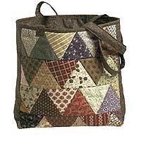 Keepsake batik bag, found on : http://www.fonsandporter.com/articles/keepsake_quilting_batik_bag?bc=c