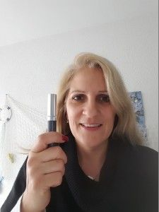kurz nach dem Auspacken des Wimpernserums Make Up, Style, Top, Makeup, Bronzer Makeup