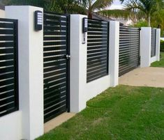 modern front yard fence modern fence styles front yard fence ideas entrancing home fences Cheap Privacy Fence, Yard Privacy, Privacy Fence Designs, Diy Fence, Fence Landscaping, Backyard Fences, Fence Garden, Fence Art, Pool Fence
