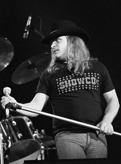 Ronnie Van Zant, Common People, Lynyrd Skynyrd, Guitar Picks, Great Bands, Lineup, 1970s, Breeze, Legends