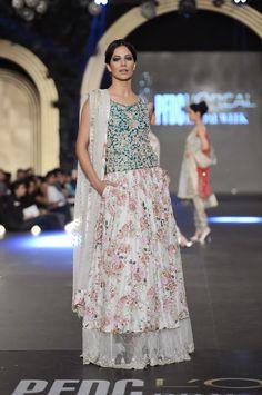7ef927cf2f Pakistan Fashion Design Council L'Oreal Bridal Week PLBW 2103 - Zara  Shahjahan Designer Punjabi