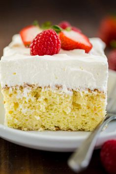 Tres Leches Cake has a soft and ultra-moist crumb. This authentic Tres Leches Cake recipe is soaked with a 3 milk mixture and topped with whipped cream. #tresleches #treslechescake #treslechescakerecipe #mexicancake #cake #cakerecipe #moistcake #natashaskitchen Thanksgiving Desserts Easy, Valentine Desserts, Thanksgiving Side Dishes, Easy Desserts, Christmas Appetizers, Irish Desserts, Irish Recipes, Christmas Desserts, Food Cakes