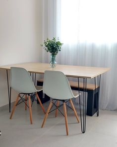 Industrial Concrete Home Decor .Industrial Concrete Home Decor Home Room Design, House Design, Minimalist Dining Room, Dinner Room, Decorating Bookshelves, Dinning Table, Modern Dining Table, Small Dining, Apartment Design