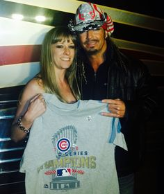 Fans everywhere are celebrating the Chicago Cubs #WorldSeries win! How are you showing your #baseball team support? - Team Bret #FlyTheW MLB MLB Network #Chicago #Cubs #ShareThis #TagTwoFriends
