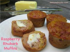 Paleo Raspberry Rhubarb Muffins - Here my new grain-free recipe to incorporate fresh rhubarb into your diet. Easy to make and yummy to taste! Paleo Recipes, Real Food Recipes, Yummy Food, Flour Recipes, Ketogenic Recipes, Baking Recipes, Tasty, Paleo Baking, Gluten Free Baking
