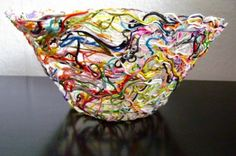 What to do with all those yarn ends? How to make a yarn bowl by elisabeth andrée. Crafts To Do, Yarn Crafts, Kids Crafts, Craft Projects, Arts And Crafts, Craft Ideas, Paper Mache Crafts For Kids, Recycle Crafts, Glue Crafts