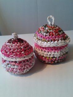 Små rosa lockaskar