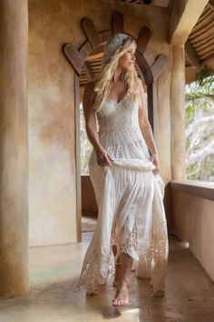 romantic boho wedding dresses Bohemian Style Wedding Dresses, Princess Wedding Dresses, Best Wedding Dresses, Boho Look, Boho Style, Ibiza Style, Romantic Outfit, Boho Fashion, Dresses With Sleeves