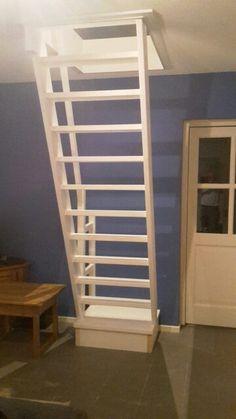 Stalen laddertrap naar de zolderkamer mezzanine pinterest zolderkamer zolder en tienerkamer - Ruimtebesparende mezzanine ...