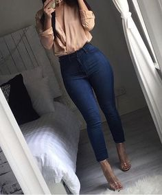 19 Trendy dress outfit heels jeans Source by party outfit jeans Casual Date Night Outfit, Dressy Casual Outfits, Business Casual Outfits, Date Outfits, Stylish Outfits, Dress Outfits, Fashion Outfits, Work Outfits, Fashion Ideas