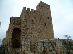 Os invitamos a pasear por el  Castillo de Papiol.  #historia #turismo  http://www.rutasconhistoria.es/loc/castillo--de-papiol