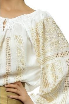 Ie Traditionala Romaneasca Maneca Lunga Motivul Altita Aurie Folk Embroidery, Embroidery Fashion, Embroidery Ideas, Folk Fashion, Ethnic Fashion, Blouse Outfit, Folk Costume, Embroidered Blouse, Peasant Tops