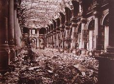 Charles Marville: ruines de l'ancien hôtel de ville de Paris après l'incendie de 1871.