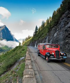 Glacier National Park  Montana. The red bus day trip tour from the Lodge.