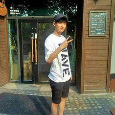 Park Chanyeol Exo, Baekhyun, Chanyeol Birthday, Good Morning Everyone, Chanbaek, Boyfriend Material, Wattpad, Husband, Kpop