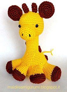 Patrón amigurumi gratis de jirafa.Espero que os guste tanto como a mi! Visto en la red y colgado en mi pagina de facebook: Os pongo también su foto para que veáis como queda: