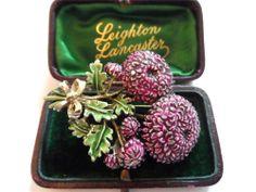 Vintage Dahlia Brooch Signed 1950's Vintage Costume Jewelry, Vintage Costumes, Vintage Jewelry, Antique Jewellery, Vintage Brooches, Dahlia, Badges, Brooch Pin, 1950s
