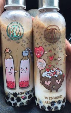 milk tea juice glass bottle with stainless cap and printings - food - Dekoration Bebidas Do Starbucks, Starbucks Drinks, Fun Drinks, Yummy Drinks, Yummy Food, Colorful Drinks, Boba Drink, Bubble Milk Tea, Cute Water Bottles