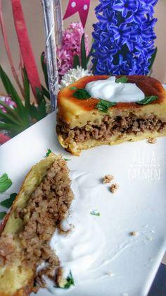 Plăcintă cu cartofi şi carne tocată Sandwiches, Pie, Desserts, Food, Torte, Tailgate Desserts, Cake, Deserts, Fruit Cakes