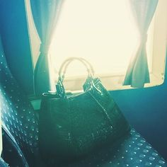 Classic flying experience #vintage Classic, Bags, Vintage, Style, Fashion, Derby, Handbags, Swag, Moda