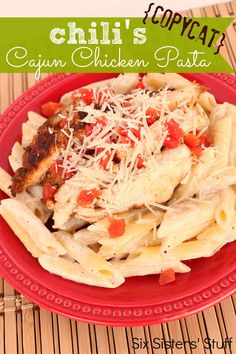 This Chili's Copycat Cajun Chicken Pasta from SixSistersStuff.Com tastes just like the real deal! #recipe #dinner