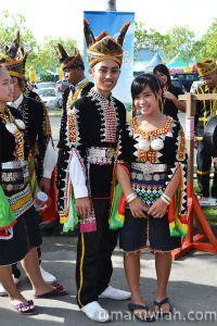 Pakaian Tradisional Vietnam Sebagai Pakaian Rasmi