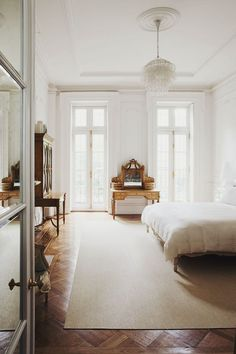 white and wood - bedroom